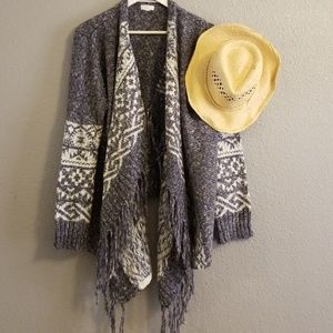Aztec Print Open-front Sweater in Gray and White